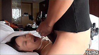 Amateur wife whose husband is on a business trip 04